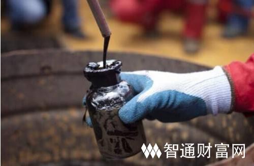 美国油价 原油交易提醒:地缘危局叠加俄3月增产,油价滑铁卢