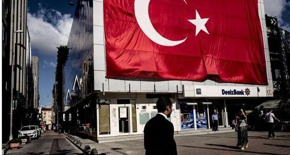 """土耳其里拉跌穿7 总统威胁将采用""""B计划""""和""""C计划"""""""