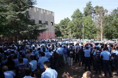 阿根廷超市遭哄抢 107人被捕 34人被起诉