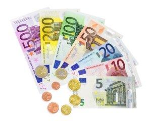 美元摊上事 这一货币将成为储备货币
